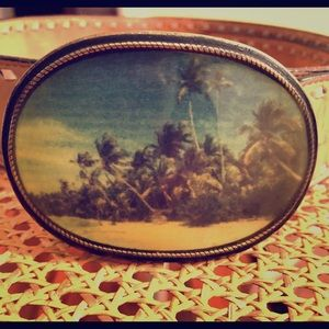 Tony Lamas blonde leather belt tropical buckle